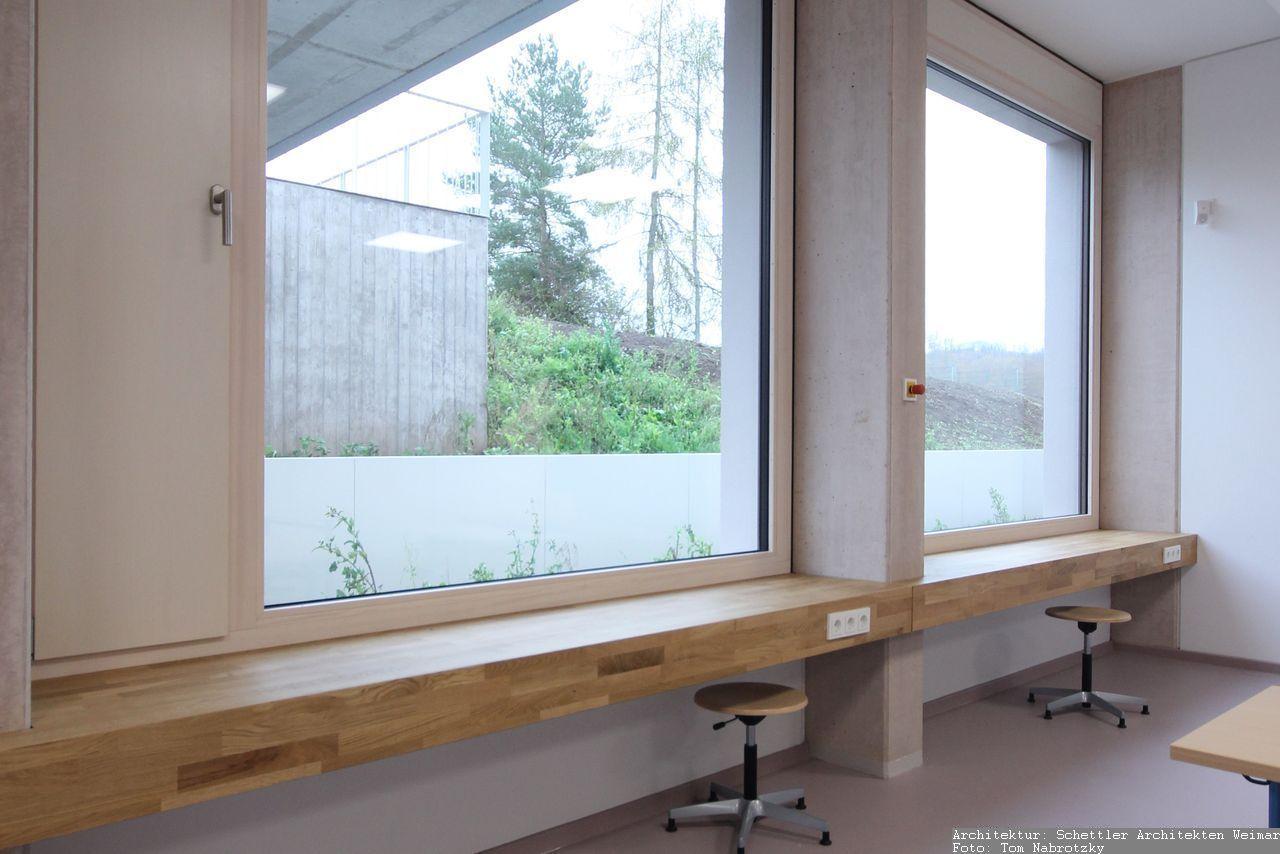 Einrichtung von Arbeitsplätzen am Fenster - Tischlerarbeiten