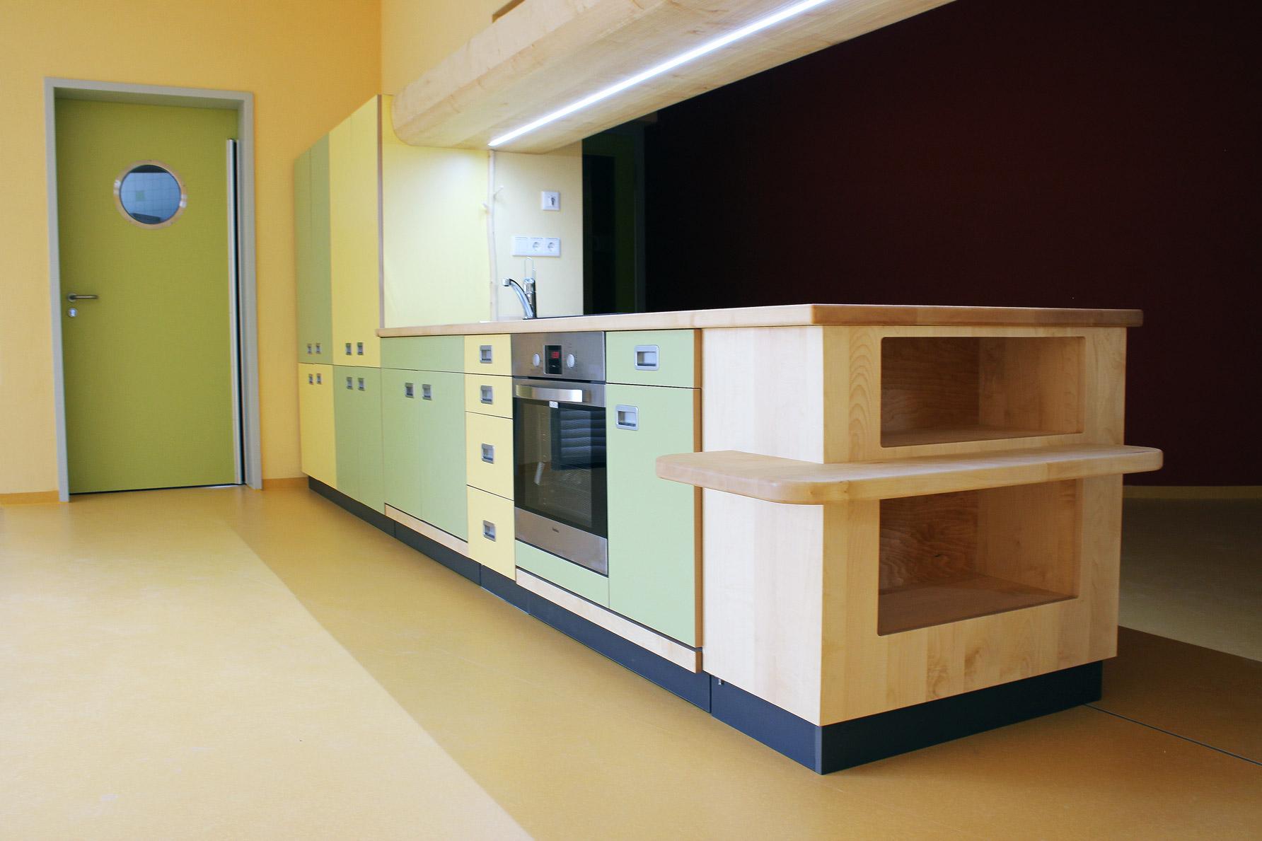 Foto Kücheneinrichtung vom Möbeltischler für Kindertagesstätte in Zwickau