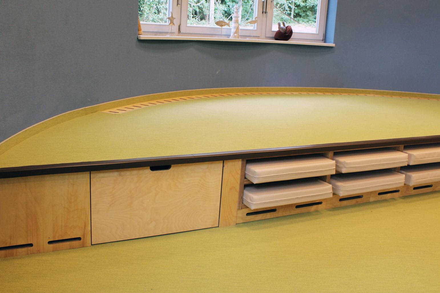 Foto Mehrzweckmöbel von der Möbeltischlerei für Kindertagesstätte in Zwickau