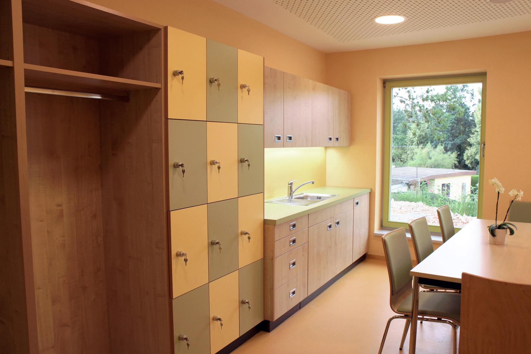 Foto Einrichtung Personalraum - Tischlerarbeit für Kindertagesstätte in Zwickau