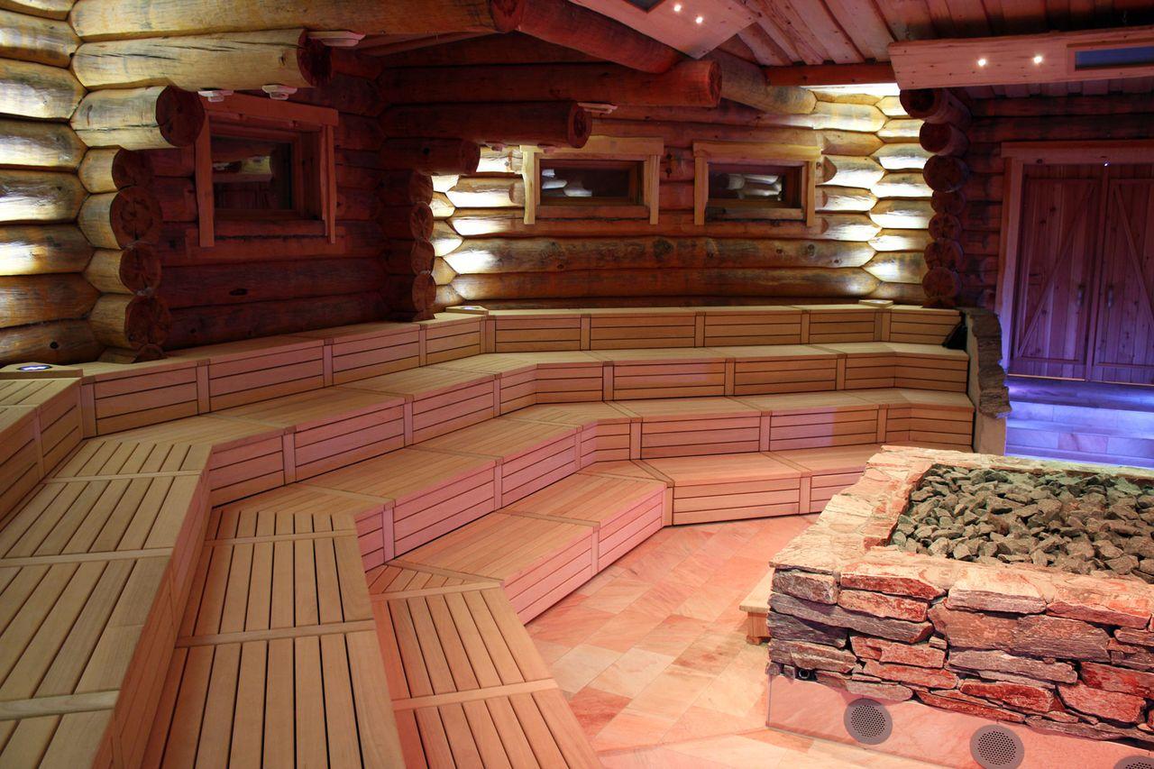 Ansicht Holzausbau Saunalandschaft