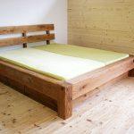 Holzbett, rustikal - Tischlerarbeit Holzwerkstatt Trommer